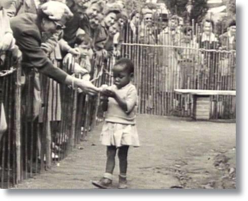 Evolução Criança no zoo da Bélgica